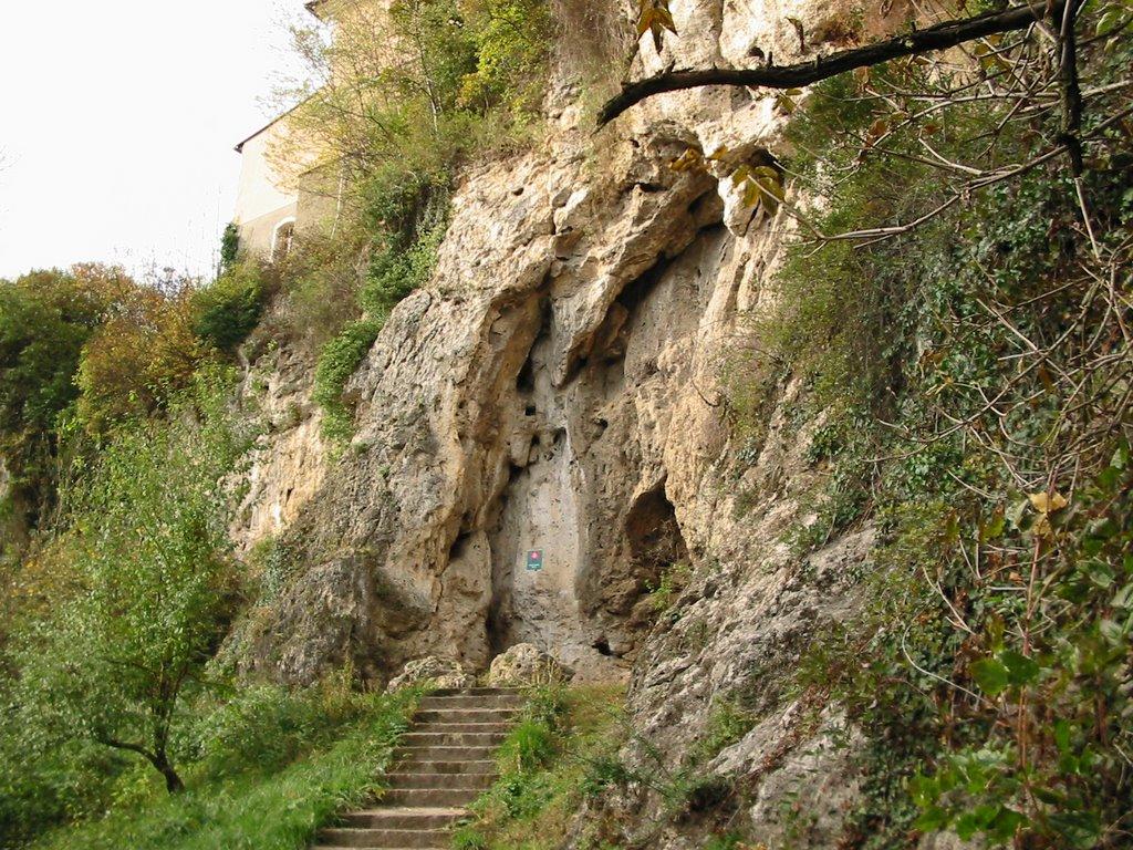 Bojnicka hradna cave