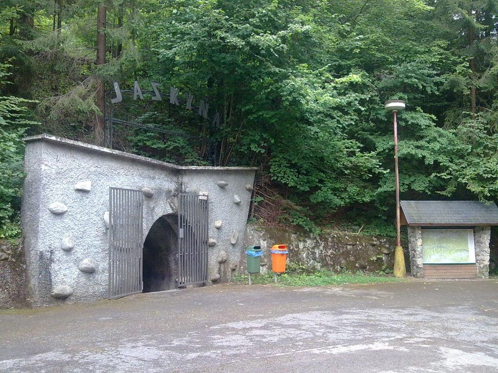 Bystrianska cave