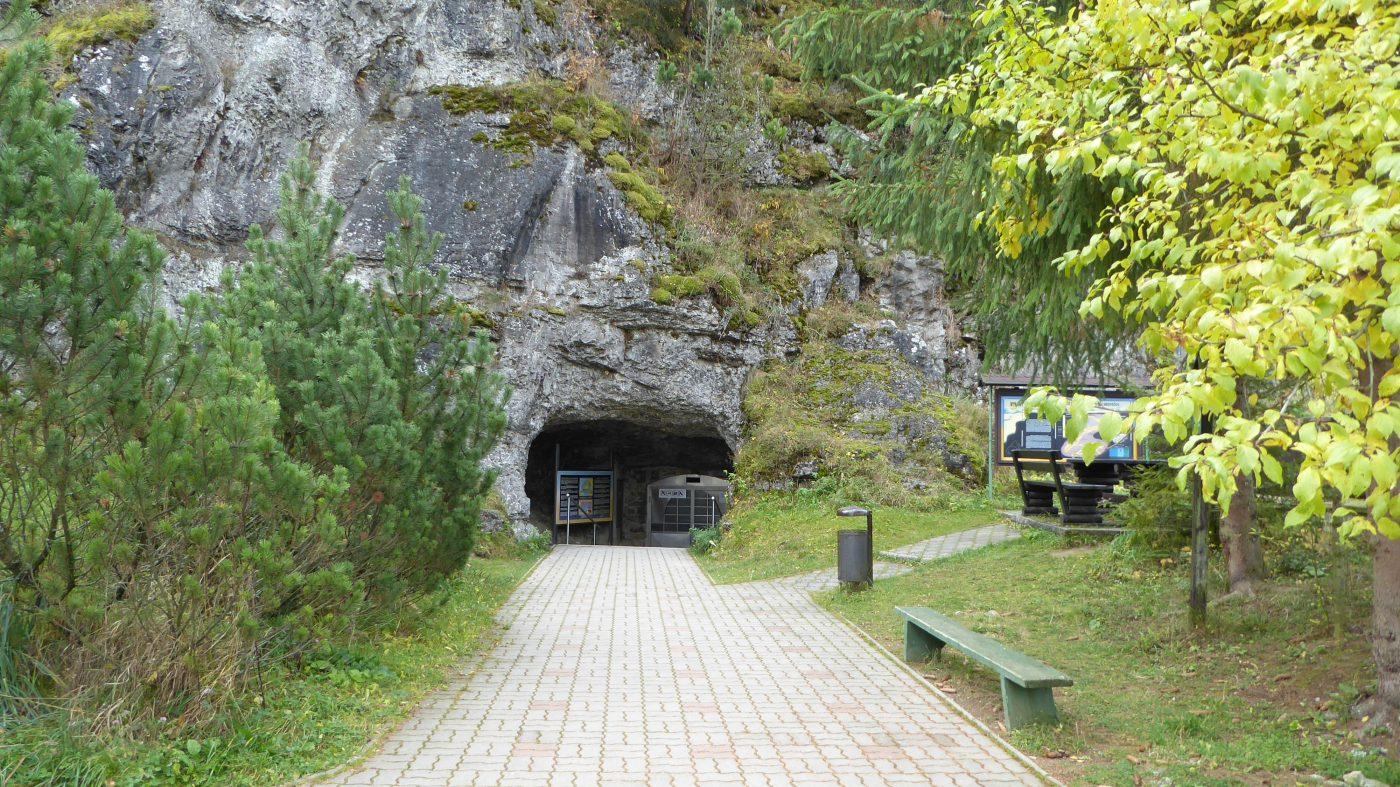 Vazecka Cave