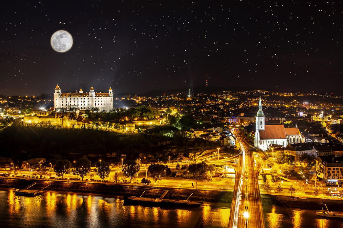 night Bratislava