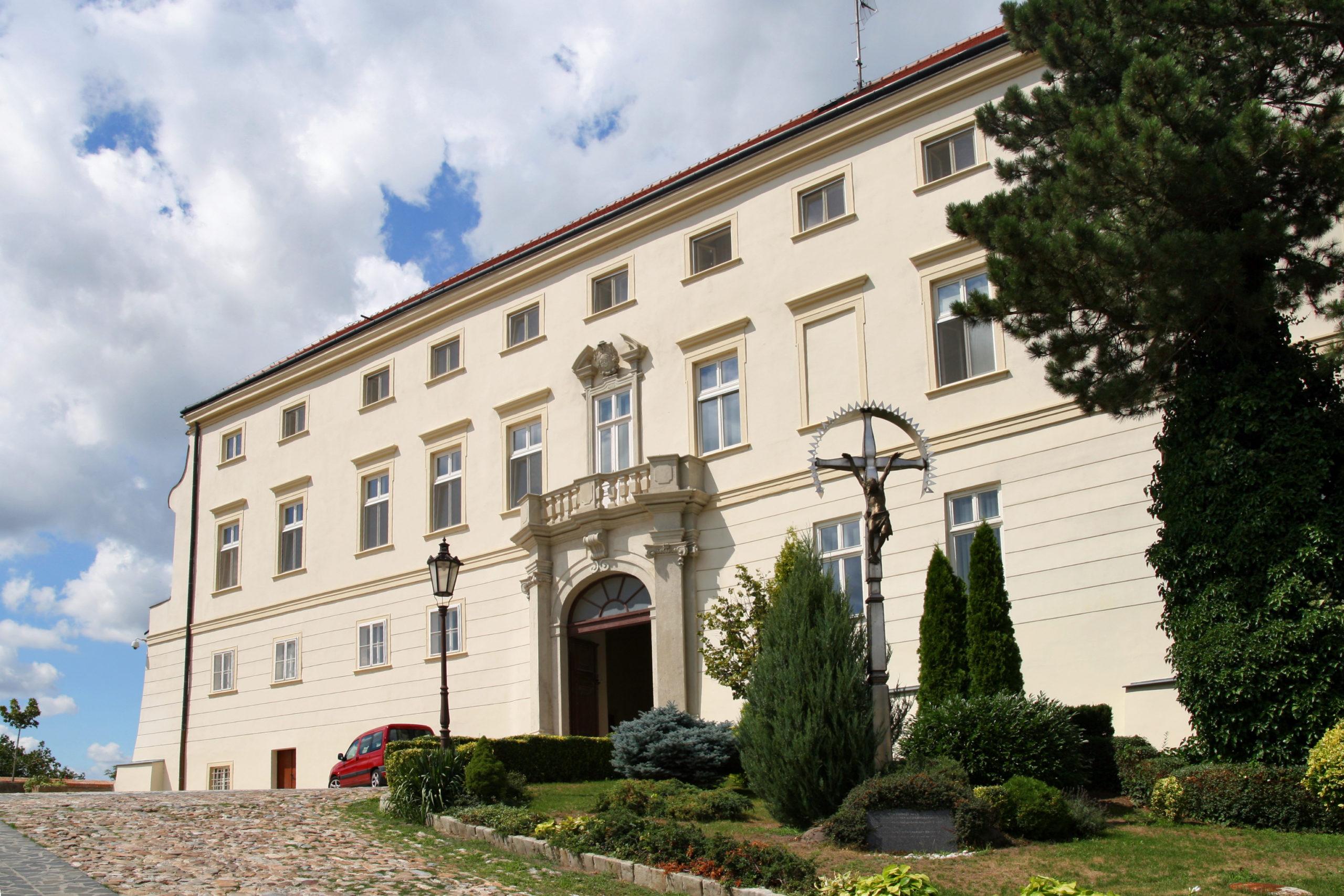 Biskupský palác