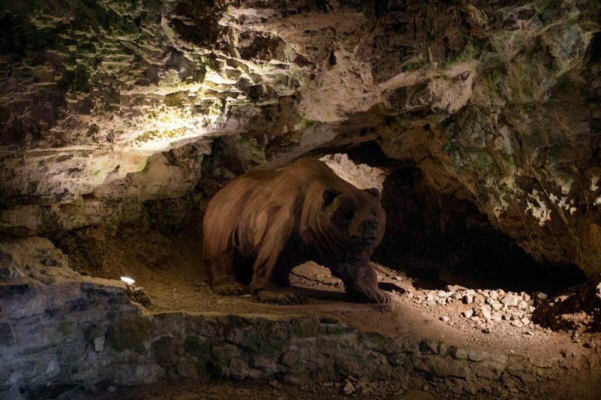 Важецкая пещера